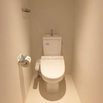 縦に広いトイレ。