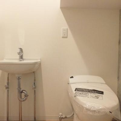 タンクレスでスマートなトイレ。