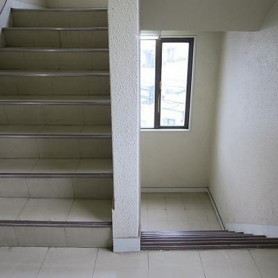階段はこんな感じです。※写真は前回募集時のものになります。