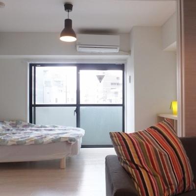 エアコンは寝室に一基。