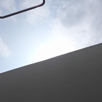 ベランダから空を見上げるとなんだか芸術的でした。