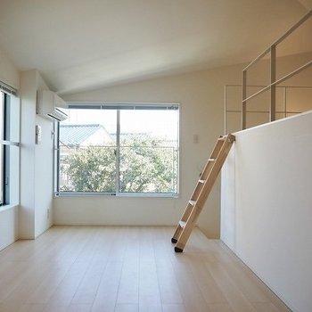 ロフトの階段がかわいい ※写真は前回募集時のものです