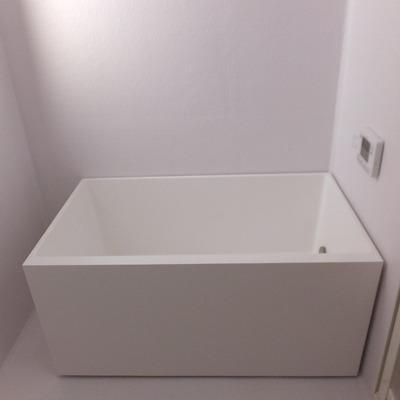 お風呂はシンプルかっこいい。1階にあります。