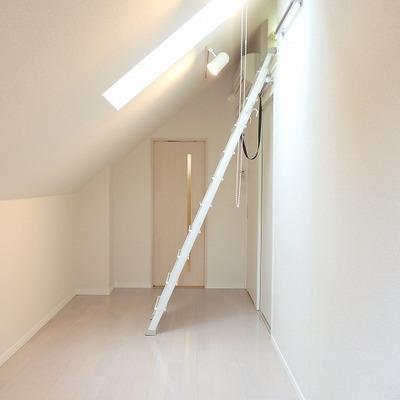 階段を登るとまた階段が。 ※写真は前回募集時のものです