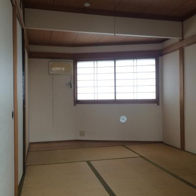 和室ってところがまたいいよね。窓あり◎
