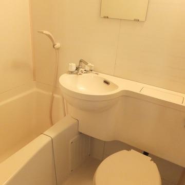 お風呂トイレ洗面台は同室!