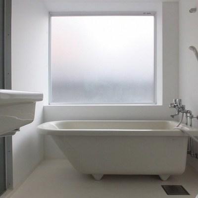 お風呂と洗面台とトイレは同スペースに。
