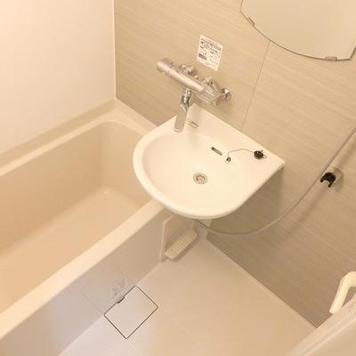 ユニットバスだけど、トイレは別です!