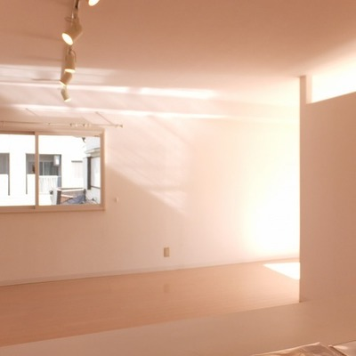 二面採光の明るいお部屋です。※写真は前回募集時のものです