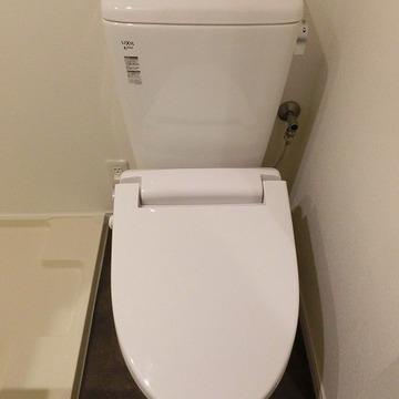 トイレはあったか便座。