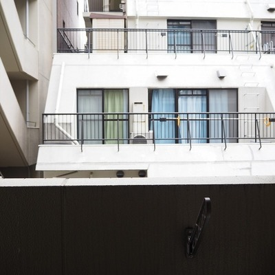 目の前もほかのマンションです。