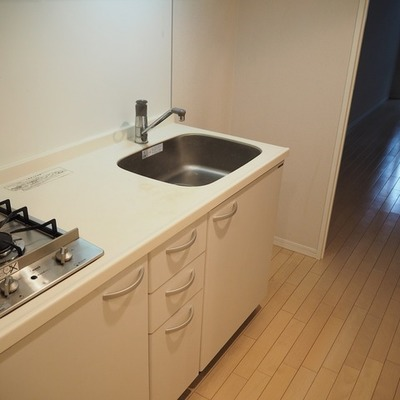 キッチンは2口コンロ!※写真は前回募集時のものです