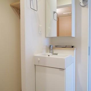 コンパクトですが収納たっぷりの洗面台※写真は前回募集時のものです