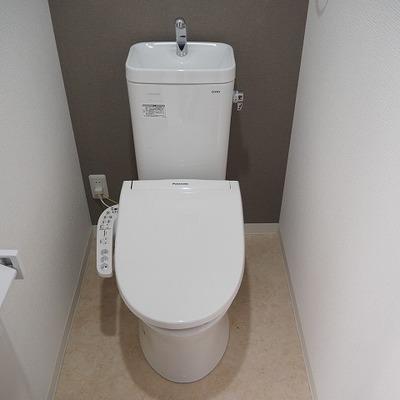 トイレはウォシュレット付き。※写真は前回募集時のものです
