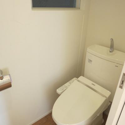 トイレもウォシュレット付きでバッチリ!