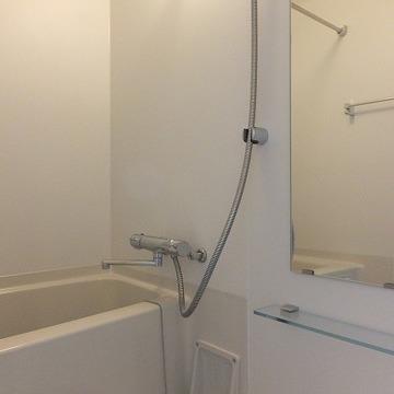 浴室乾燥機がついているので、梅雨も安心!※前回募集時の写真です