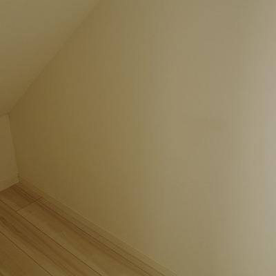 2階のお部屋の階段があるので斜めです