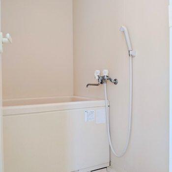 【下階】シンプルなお風呂