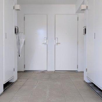 階段上がって左手にお部屋があります