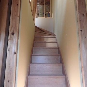 階段、作ったばかりでした!