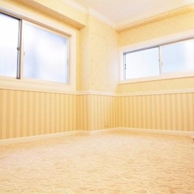 ベッドルームはちょっと雰囲気を変えて。