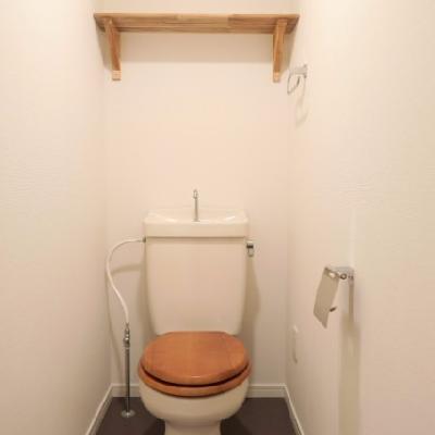 木製便座のトイレ空間【写真は前回募集時のものです】