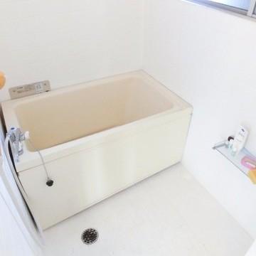 お風呂にも窓があります!