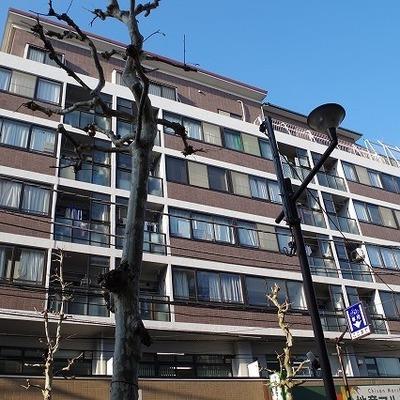 1階はテナントです。