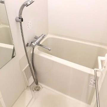 浴室乾燥暖房機で冬でも暖か。洗濯物も干せます。