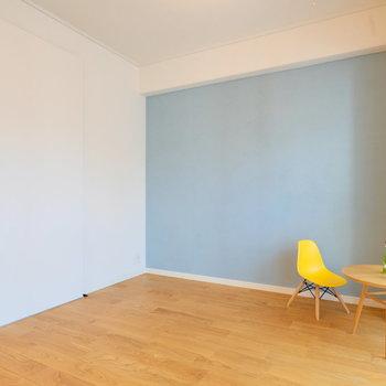 リビング横はキレイにな水色の壁のお部屋。寝室でも、書斎でも!※写真は前回募集時のもの