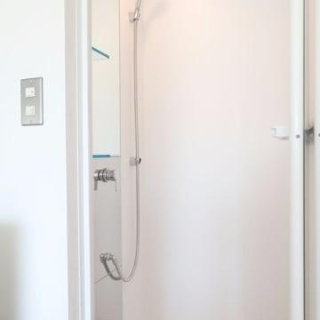 シャワールームとはこちらのこと。