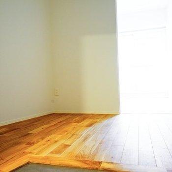 サービスルームももちろん無垢床♪