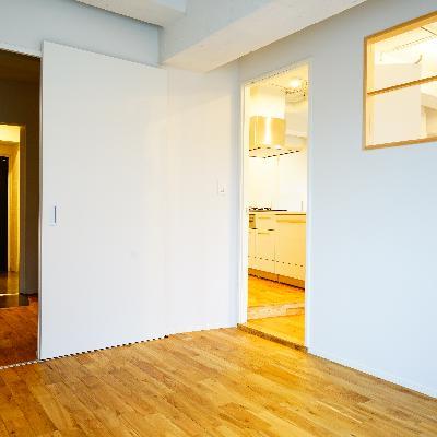 6.5帖の寝室です。左はWICで右がリビング!