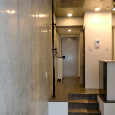 コンクリート壁でオシャレです