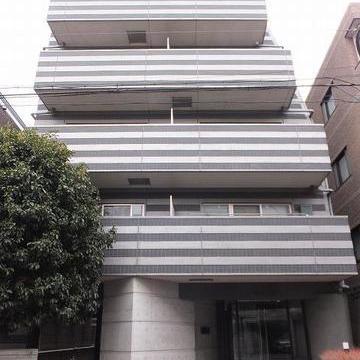 6階建てのしっかりマンション。