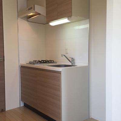 ※写真は別部屋のもの。これと同じタイプのキッチン