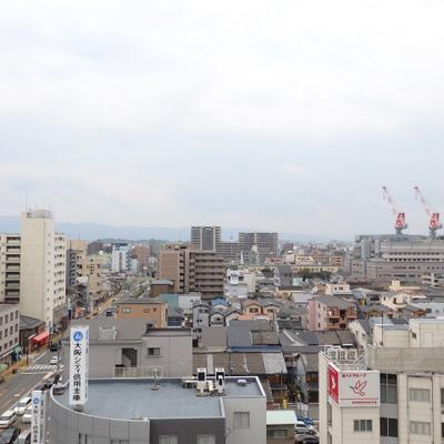 10階からの眺望。そこまで高い建物がないので抜けています。