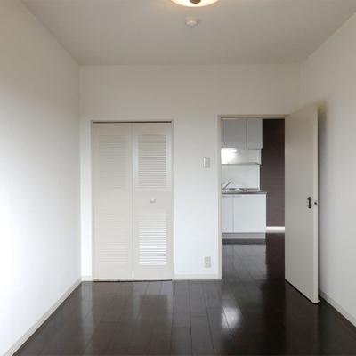 3部屋とも5.5帖前後の広さ。