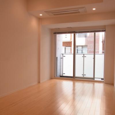 お部屋は11帖と広いです