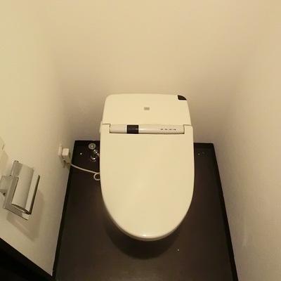 タンクレストイレ。※写真は別部屋です