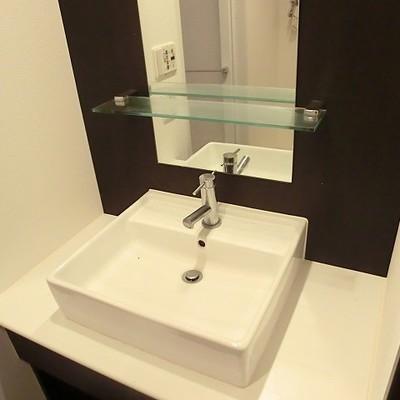 コンパクトだけどおしゃれな洗面台※写真は別部屋です