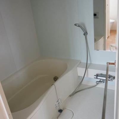 お風呂も広々!これは嬉しい。