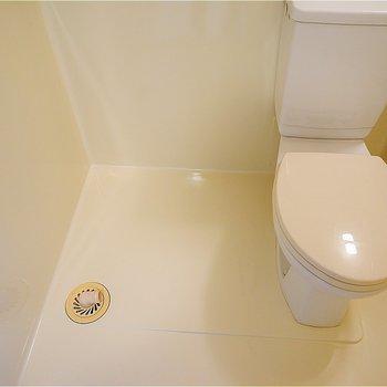 洗濯機はこちら。※写真は7階の同間取り別部屋のものです