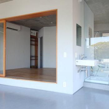 水周りとお部屋の様子 ※4階似た間取りの別部屋の写真です