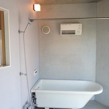 お風呂もかっこいいですね〜 ※4階似た間取りの別部屋の写真です