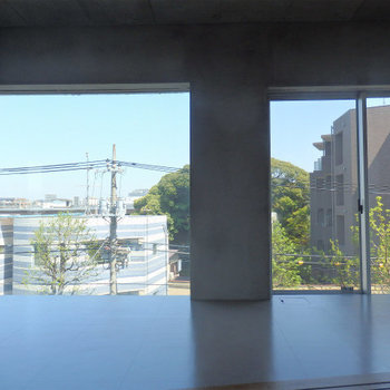 窓が開放的! ※4階似た間取りの別部屋の写真です