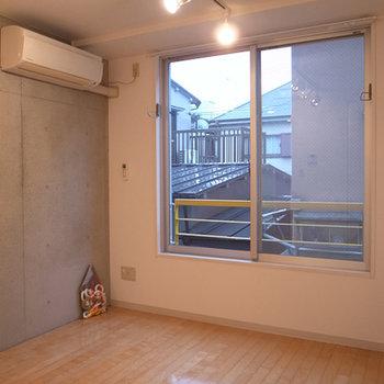 コンクリート打ちっぱなしの壁が良いんだなあ※写真は前回募集時のものです