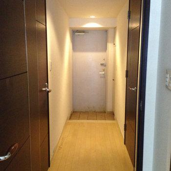廊下の雰囲気。高級感ありますね