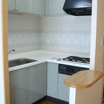 L字キッチンで3口ガスコンロで使い勝手がいいんです。