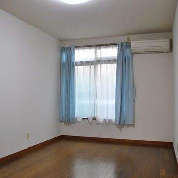 部屋はかなーり、広いです。